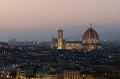 Opinión de la puesta del sol del Duomo en Florencia Foto de archivo libre de regalías