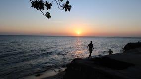 Opinión de la puesta del sol en la ciudad de piedra Zanzíbar fotos de archivo libres de regalías