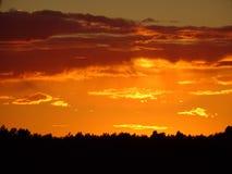 Opinión de la puesta del sol en el golfo de Finlandia Imagenes de archivo