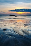 Opinión de la puesta del sol en la cara Kuantan Malasia de la playa Fotos de archivo