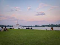 Opinión de la puesta del sol en Suan Luang, Tailandia foto de archivo libre de regalías