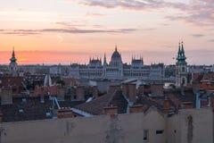 Opinión de la puesta del sol del horizonte de la ciudad de Budapest en Hungría Fotografía de archivo libre de regalías