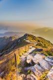 Opinión de la puesta del sol del pico de Lantau imagen de archivo libre de regalías