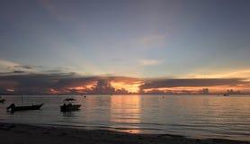 Opinión de la puesta del sol que calma fotografía de archivo
