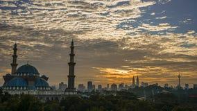 Opinión de la salida del sol de la mezquita Fotografía de archivo