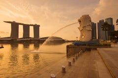 Opinión de la señal de la ciudad de Singapur en distrito del viaje fotos de archivo