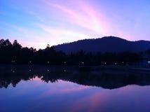 Opinión de la silueta de la montaña Imagen de archivo