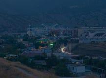 Opinión de la tarde de la ciudad Sudak foto de archivo libre de regalías