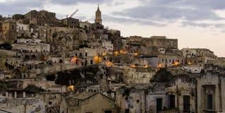 Opinión de la tarde de la ciudad vieja de Matera foto de archivo libre de regalías