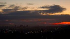 Opinión de la tarde de la puesta del sol Los Ángeles del escarlata almacen de video