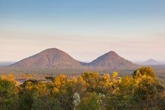 Opinión de la tarde sobre las montañas del invernadero Imágenes de archivo libres de regalías