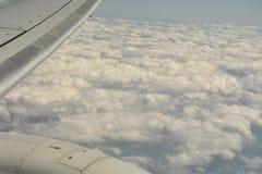 Opinión de la tierra del cielo del aeroplano Fotografía de archivo libre de regalías
