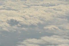 Opinión de la tierra del cielo del aeroplano Foto de archivo libre de regalías