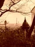 Opinión de la torre Eiffel de Montmartre imagen de archivo libre de regalías