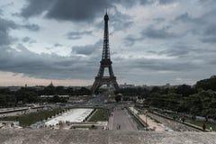 Opinión de la torre Eiffel del lugar du Trocadero Fotos de archivo libres de regalías
