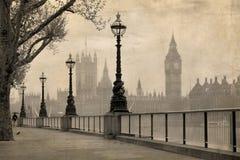 Opinión de la vendimia Londres, Ben grande y el parlamento Foto de archivo
