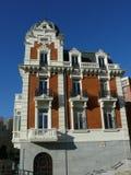 Opinión de lado izquierdo de un edificio clásico en Madrid Fotografía de archivo
