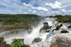 Opinión de las cascadas de Iguazu del lado argentino Imagen de archivo libre de regalías