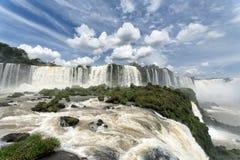 Opinión de las cascadas de Iguazu del lado brasileño Foto de archivo libre de regalías