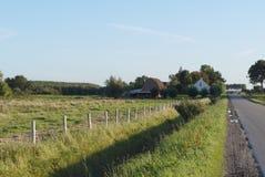 Opinión de las tierras de labrantío en Países Bajos fotografía de archivo