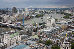 Opinión de Londres del Támesis Foto de archivo libre de regalías