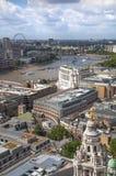 Opinión de Londres La ciudad de Londres uno de los centros principales de la opinión global de finance Río de Thames Visión desde Fotografía de archivo libre de regalías