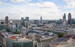Opinión de Londres La ciudad de Londres uno de los centros principales de la opinión global de finance Visión desde la catedral d Imagen de archivo libre de regalías