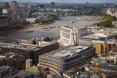 Opinión de Londres La ciudad de Londres uno de los centros principales de la opinión global de finance Visión desde la catedral d Fotografía de archivo libre de regalías