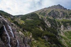 Opinión de los lagos mountains 5 de Tatra en Polonia Fotos de archivo