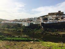 Opinión de Mértola Portugal de la ciudad imágenes de archivo libres de regalías