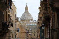 Opinión de Malta - de La Valeta a la iglesia carmelita fotos de archivo