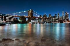 Opinión de Manhattan con el puente de Brooklyn imagenes de archivo