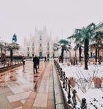 Opinión de Milán del Duomo de la nieve Fotos de archivo libres de regalías