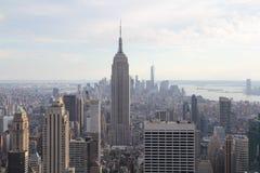 Opinión de Nueva York Manhattan sobre Manhattan Imagenes de archivo