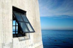 Opinión de océano de la ventana Imágenes de archivo libres de regalías