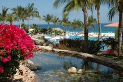 Opinión de océano en un centro turístico en Cabo San Lucas, México foto de archivo