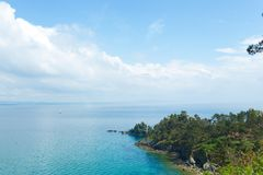 Opinión de océano Fondo de la naturaleza con nadie Morgat, península de Crozon, Bretaña, Francia foto de archivo