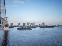 Opinión de Odaiba del puente del arco iris, Tokio, Japón, ruta del sur imagen de archivo