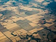 Opinión de ojo de pájaro de campos fértiles en el AU de Queenland fotografía de archivo libre de regalías