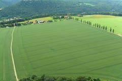 Opinión de ojo de pájaro del paisaje rural escénica. Imagen de archivo libre de regalías