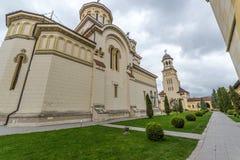 Opinión de ojo de pescados con la catedral y el campanario de la coronación de Alba Imagen de archivo