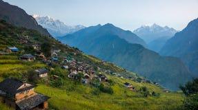 Opinión de Panoramiv de Muri, pueblo tradicional del nepali, en la región de Annapurna, Nepal Imagen de archivo libre de regalías
