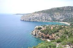 Opinión de Panormaic de una playa magnífica en Grecia Fotos de archivo libres de regalías