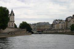 Opinión de París del río Imagen de archivo libre de regalías
