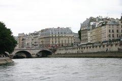 Opinión de París del río Fotos de archivo libres de regalías