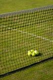 Opinión de perspectiva del campo de tenis. Fotografía de archivo