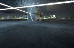 Opinión de perspectiva del piso vacío del cemento con exterior constructivo moderno del acero y del vidrio Fotos de archivo libres de regalías