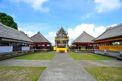 Opinión de perspectiva del templo hindú de Penglipuran Balinesse Foto de archivo libre de regalías