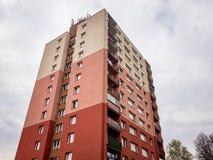 Opinión de perspectiva de una alta casa prefabricada en República Checa imagen de archivo libre de regalías