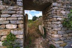 Opinión de piedra de la puerta de los Aphrodisias Foto de archivo libre de regalías